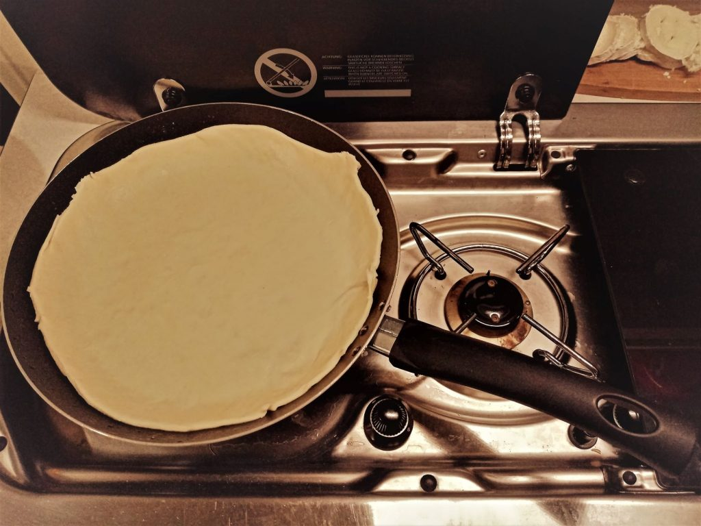 Pate Pizza Poele Van Fourgon Amenage