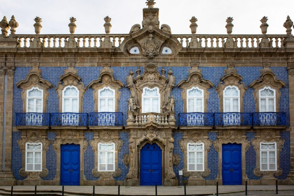 Braga En Van Et Ses Façades Bleues