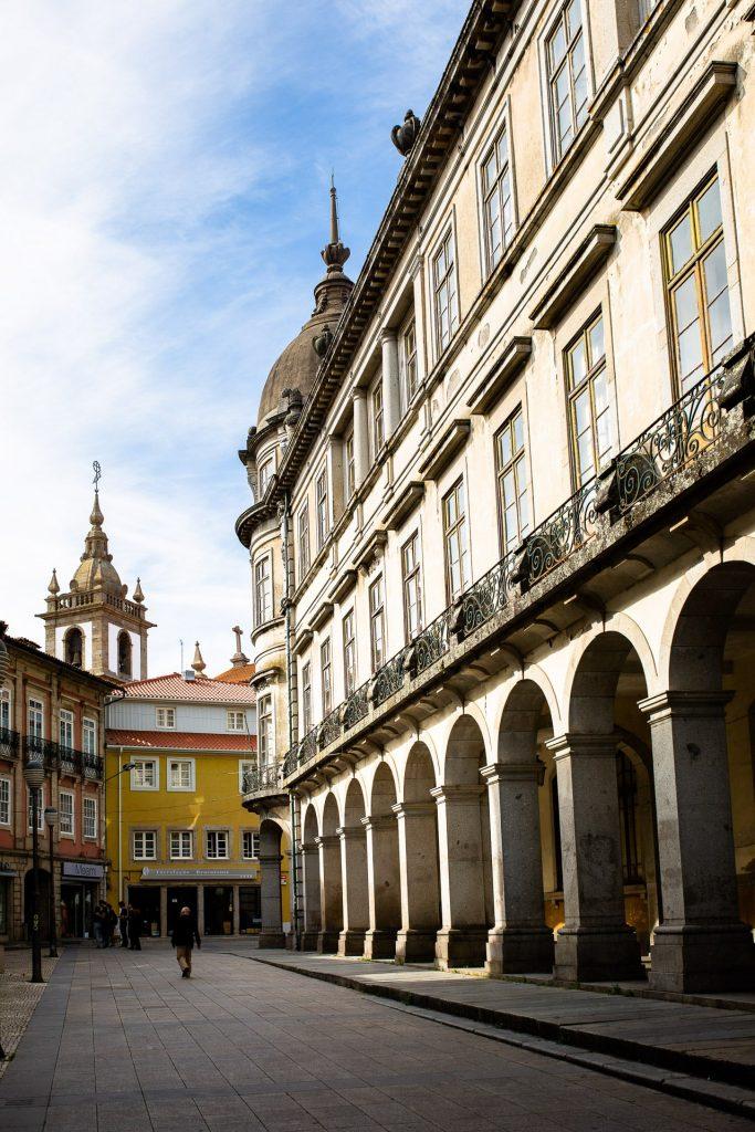 Braga Et Ses Rues En Van Aménagé
