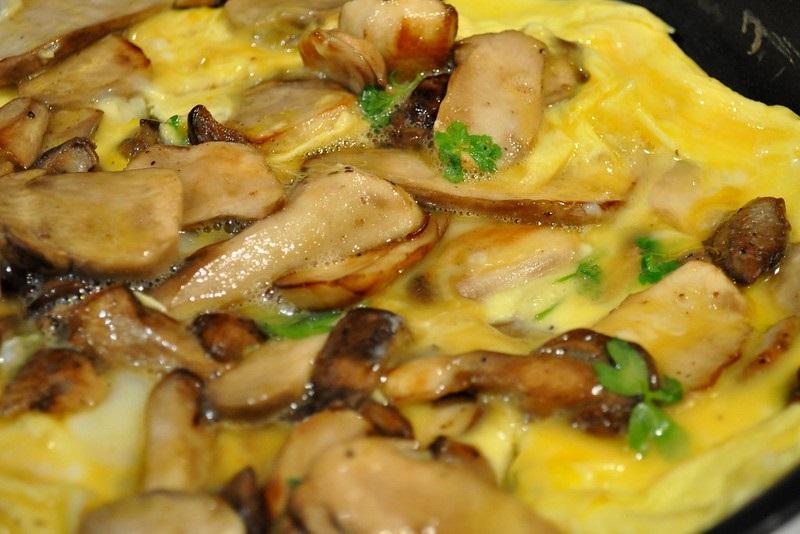 Omelette Aux Cepes A Realiser En Fourgon Amenage Recette Hiver Van Away