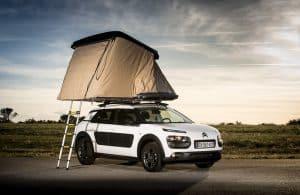 tente de toit avec accès échelle