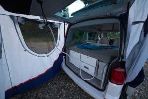 IBIZA 070_location_camper_van_cuisine_frigo_eau_gaz avec tente hayon