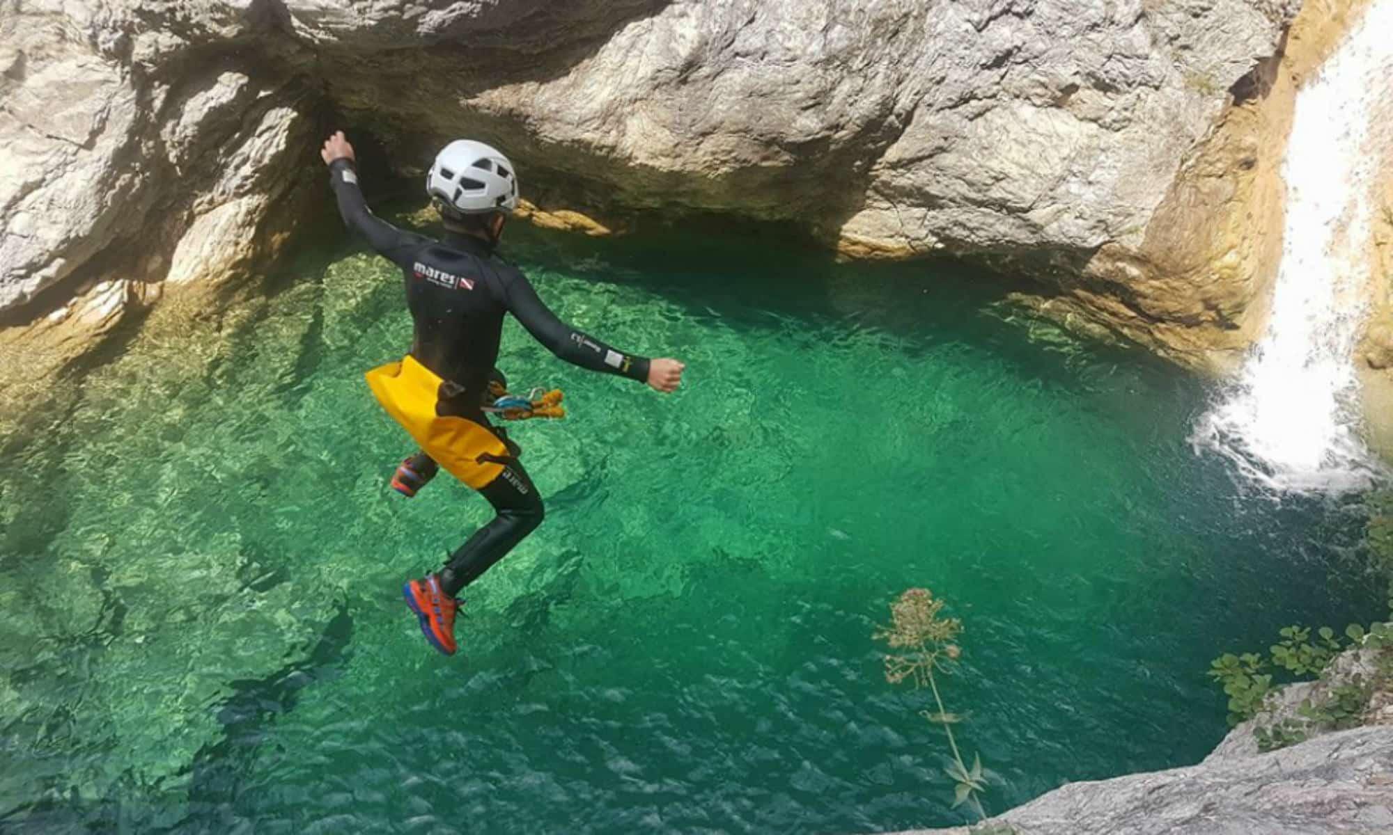 Canyoning pyrenees en van aménagé