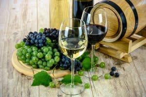 Dégustation Vin Sur La Route Des Chateaux Du Médoc En Van Et Fourgon Aménagé