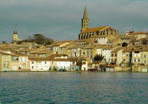 Castelnaudary En Van Amenage Circuit Lauragais Et Pays Cathare