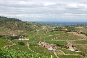 Chirouble En Van Amenage Circuit Road Trip Sur La Route Des Vins Du Beaujolais Van Away