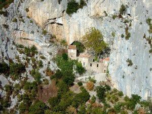 Gorges De Galamus En Fougon Amenage Circuit Pays Cathare Van Away