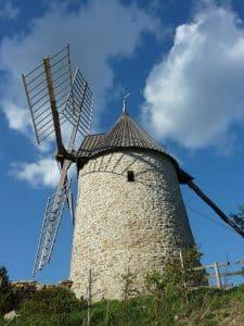Moulin De Cucugnan En Van Amenage Circuit Pays Cathare En Fourgon Amenage