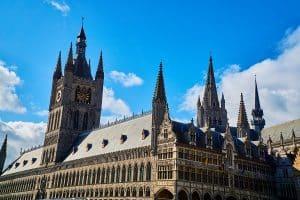 Ypres En Van Amenage La Belgique En Itinerance