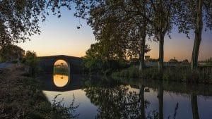 Caylus Dormir En Fourgon Aménagé Van Away Toulouse