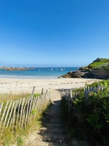 Plage De Trestrignel Côte De Granit Rose En Van Aménagé Van Away Bretagne
