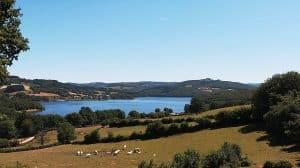 Lac De Panneciere En Van Amenage Circuit Dans Le Morvan