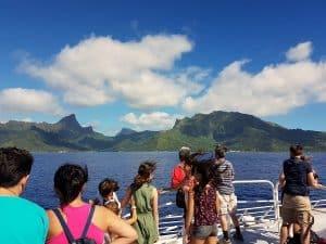 Traversee Tahiti Moorea Avec Un Van Amenage