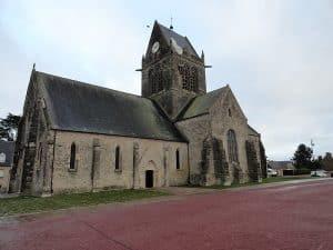 Sainte Mere L Eglise Circuit Historique Plages Du Debarquement En Van Et Fourgon Amenage